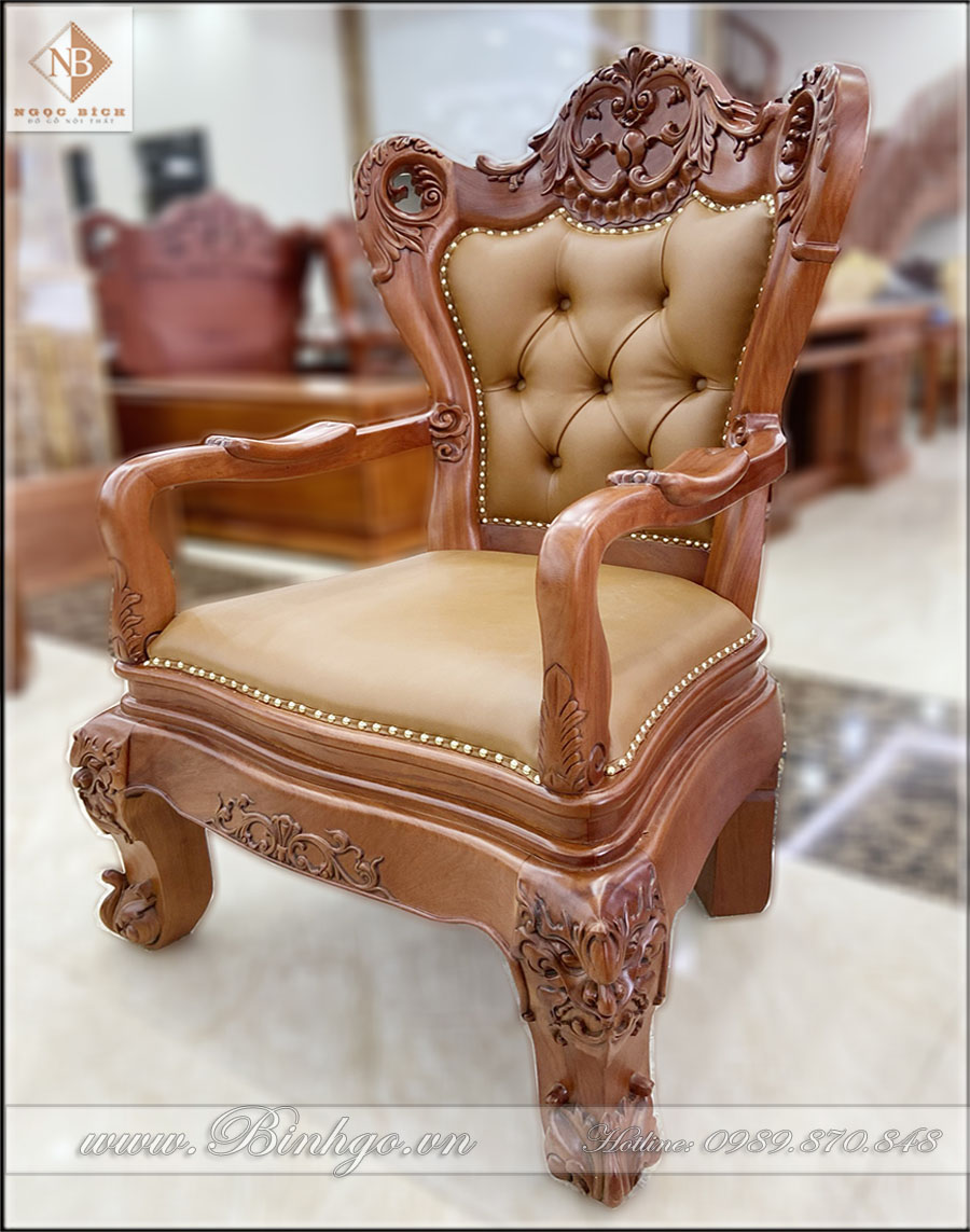 Ghế lãnh đạo gỗ Gõ Đỏ – Mã: G68-2021. Có kích thước: 81x60x128cm. Có thể kê với các loại bàn có kích thước: 197x107x77cm đến 235x107x81cm. Với độ cao đến mặt ngồi của ghế là: 52cm. và dùng cho các bàn làm việc có độ cao từ: 77cm đến 81cm